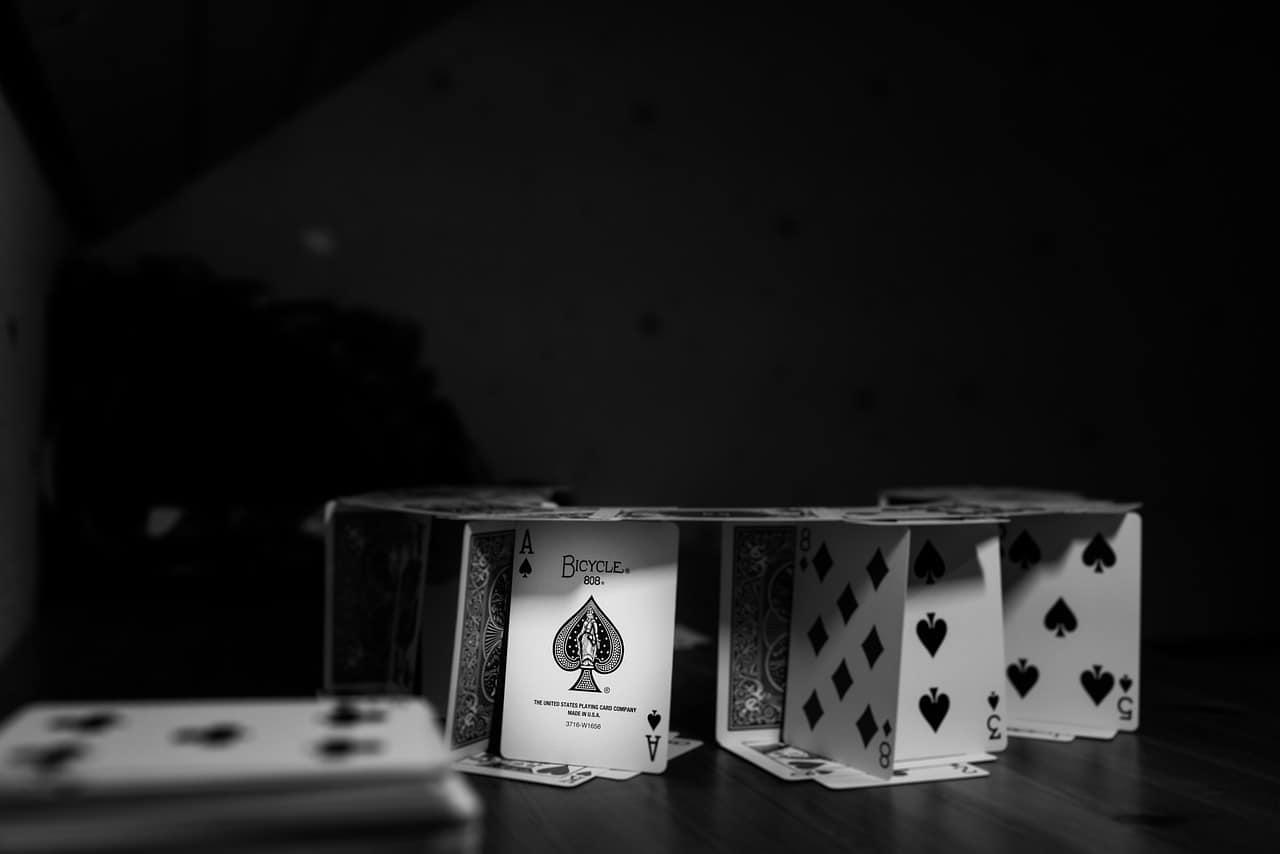 מגדל קלפים