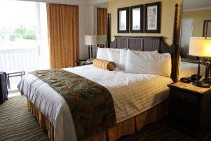 מיטה זוגית במלון