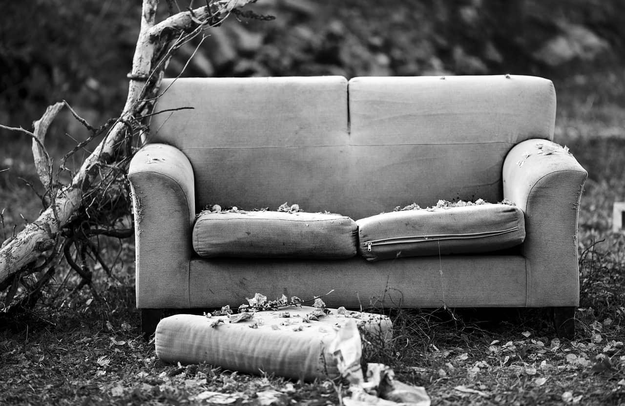מספר טיפים לספה קרועה